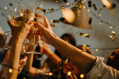 5 Creative Steps to Write an Unforgettable Wedding Toast